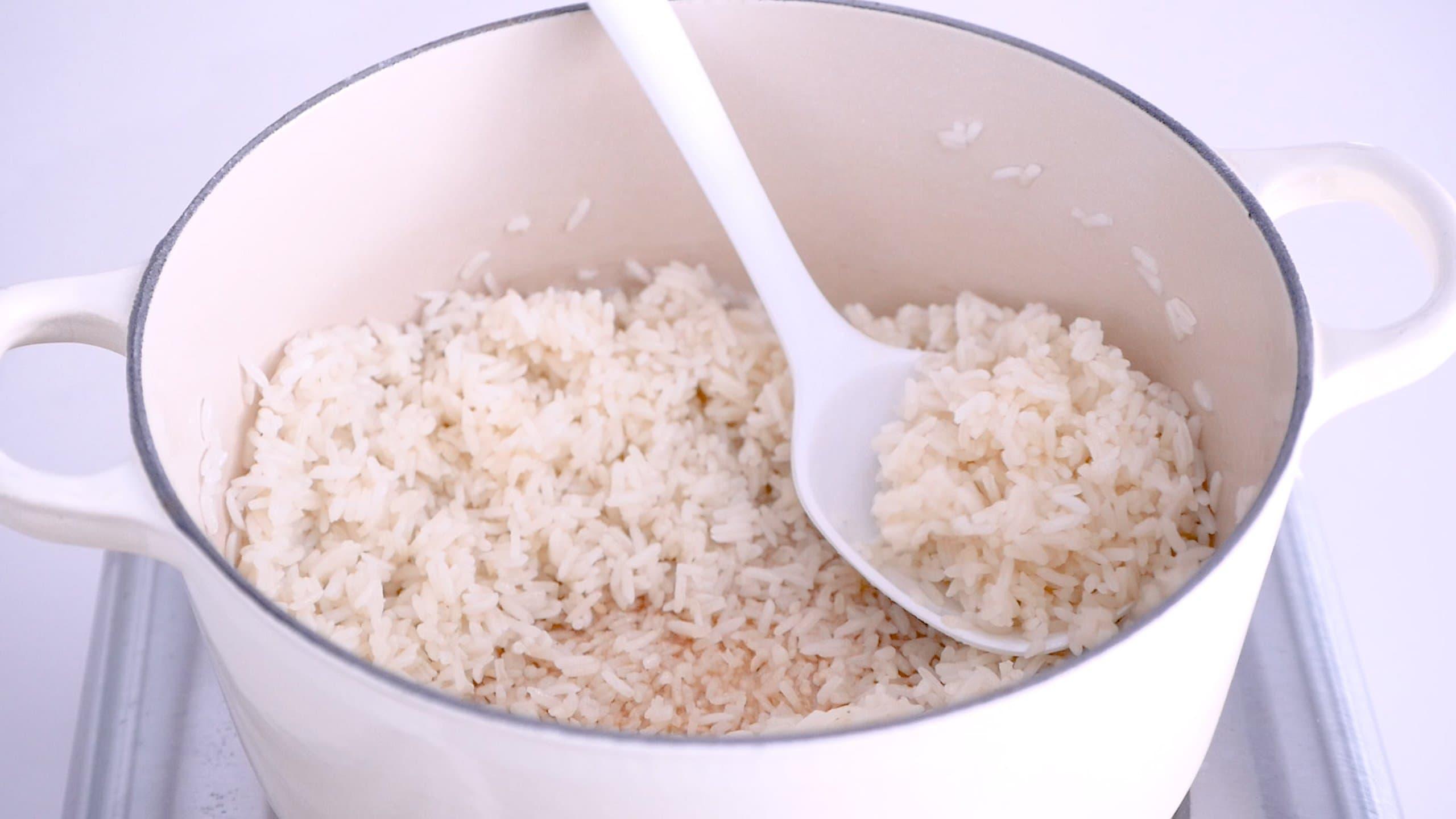 Sirviendo el arroz