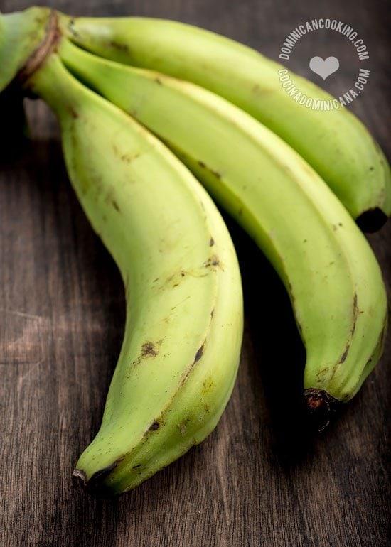 Mangú, Receta y Video (Puré Dominicano de Plátano Verde): componente típico del desayuno dominicano y uno de nuestros platos más populares.