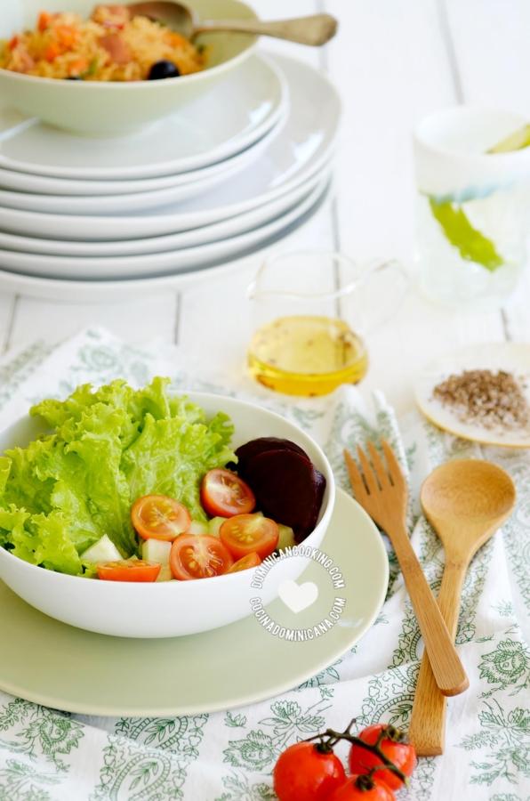 Ensalada verde con lechuga y vinagreta