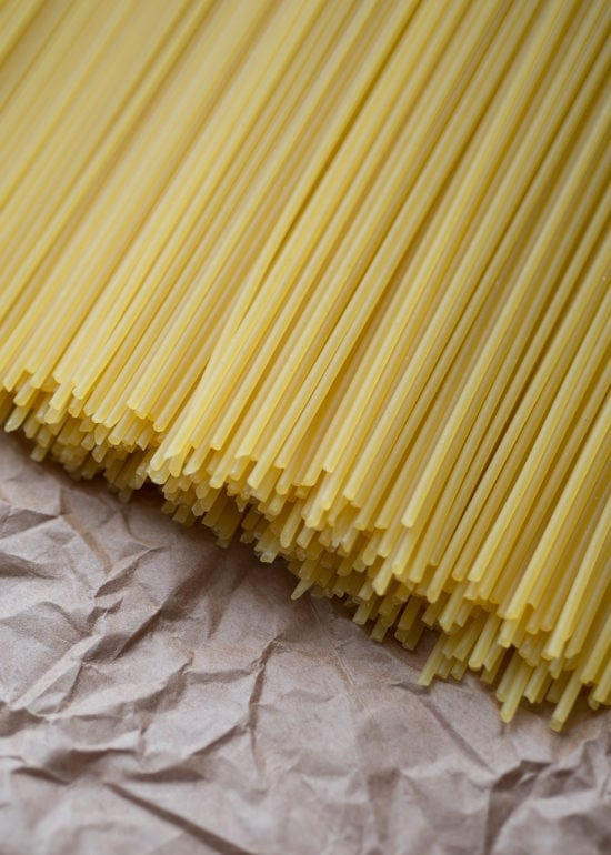 Espaguetis crudos