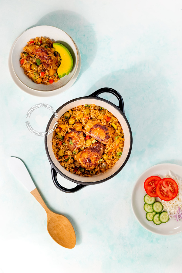 Locrio de Pollo (Arroz con Pollo Dominicano)