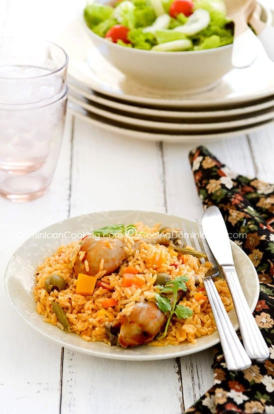 Locrio de Pollo Recipe (Rice and Chicken): probably descended from the Spanish paella, it combines herbs, rice, chicken and vegetables in a juicy rice dish. It will knock your socks off.