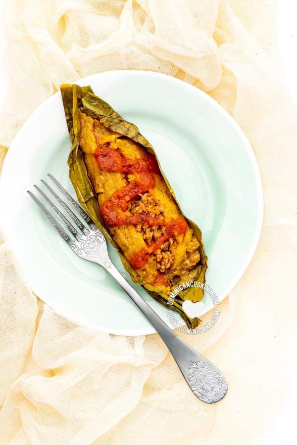 pastel en hoja dominicano