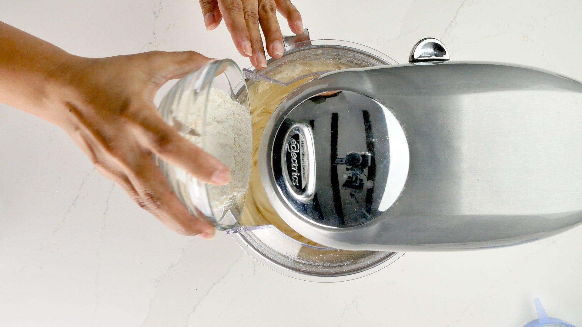 Agregar jugo + harina