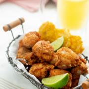 Chicharrón de Pollo con Tostones