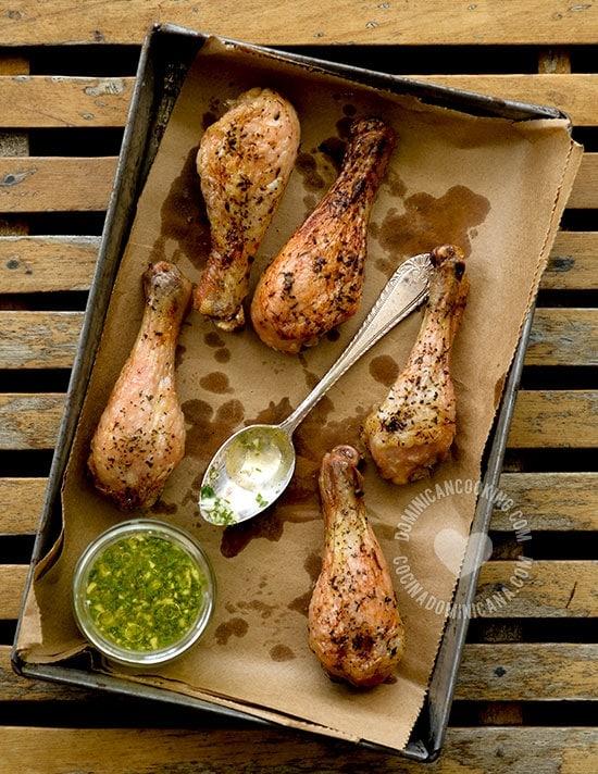Pollo con Wasakaka Dominicano - Receta: Plato bandera de una cadena de restaurantes en la Rep. Dominicana. La wasakaka es la salsa con que se sirve el pollo.