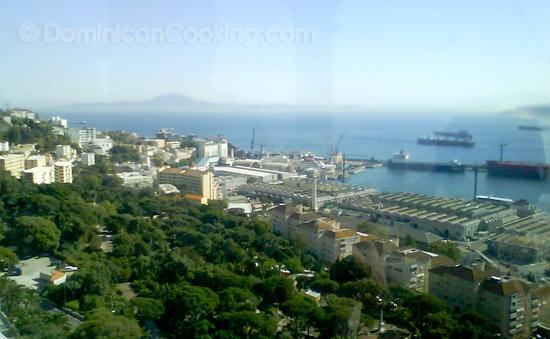 Me enorgullezco en presentar un corto artículo sobre la cocina de Gibraltar, ese pedazo minúsculo al extremo meridional de la península ibérica.