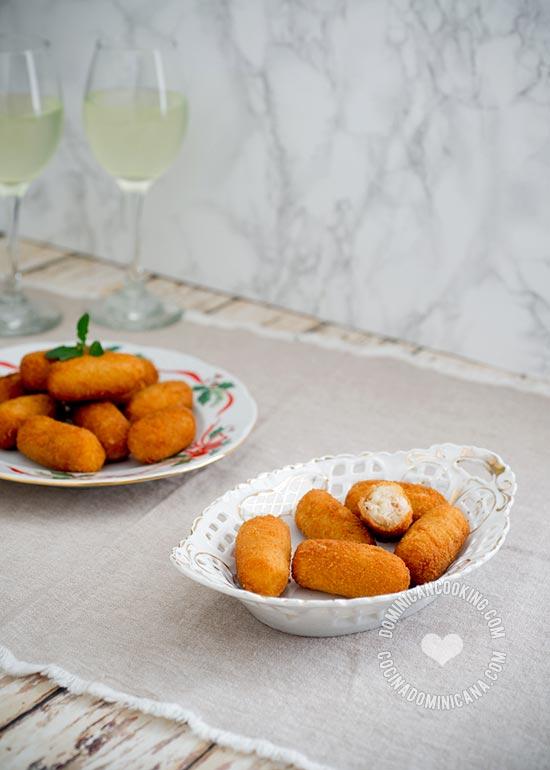 Receta Croquetas de Pollo: Independientemente de su origen estas son muy popular como picadera y no es raro encontrarlo en la mesa navideña dominicana.
