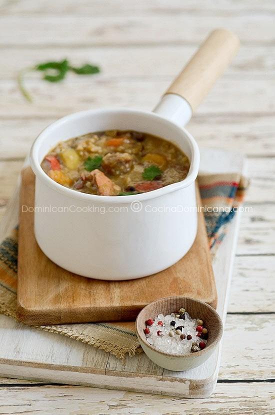 Receta Chambre (Caldo de Legumbres, Arroz y Carne): Este rico caldo de legumbres, carnes y arroz combina todo lo que amamos en el almuerzo en un solo plato.