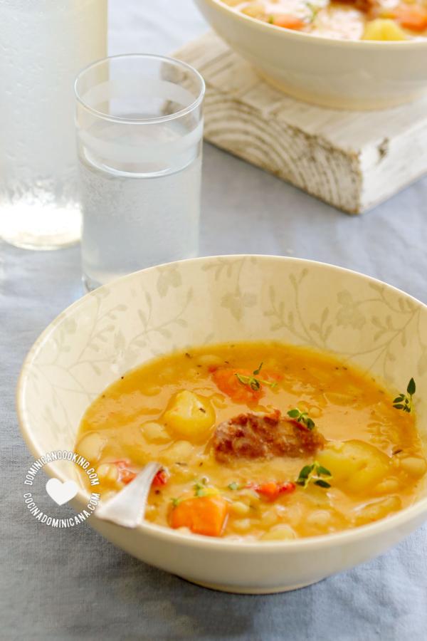 2 platos de Caldo de Judías con Chorizo