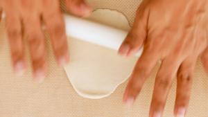Extendiendo la masa con rodillo
