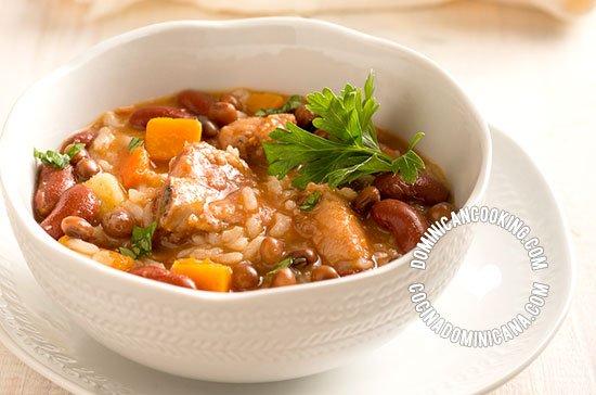 Receta chambre caldo de legumbres arroz y carne for Chambre de guandules dominicano