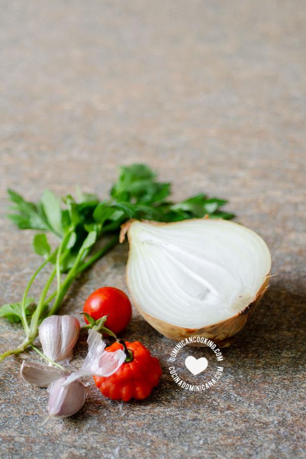 Ingredientes para Sofritos y Sazones Caseros Dominicanos