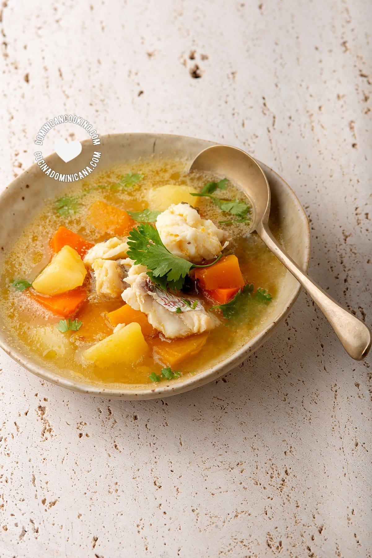 Sopa De Pescado Video Receta De Un Caldo Fácil Y Sabroso