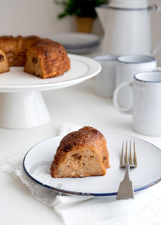 Receta Pudín de Pan Dominicano: un postre delicioso con una gran combinación de especias, perfecto para cuando te sobre pan y no sepas que hacer con él.