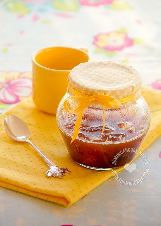 Receta Mermelada y Dulce de Tomate: Un dulce inusual pero fabuloso, ligero y que puedes servir como postre, o más espeso, como mermelada.
