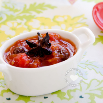 Taza de dulce de tomate