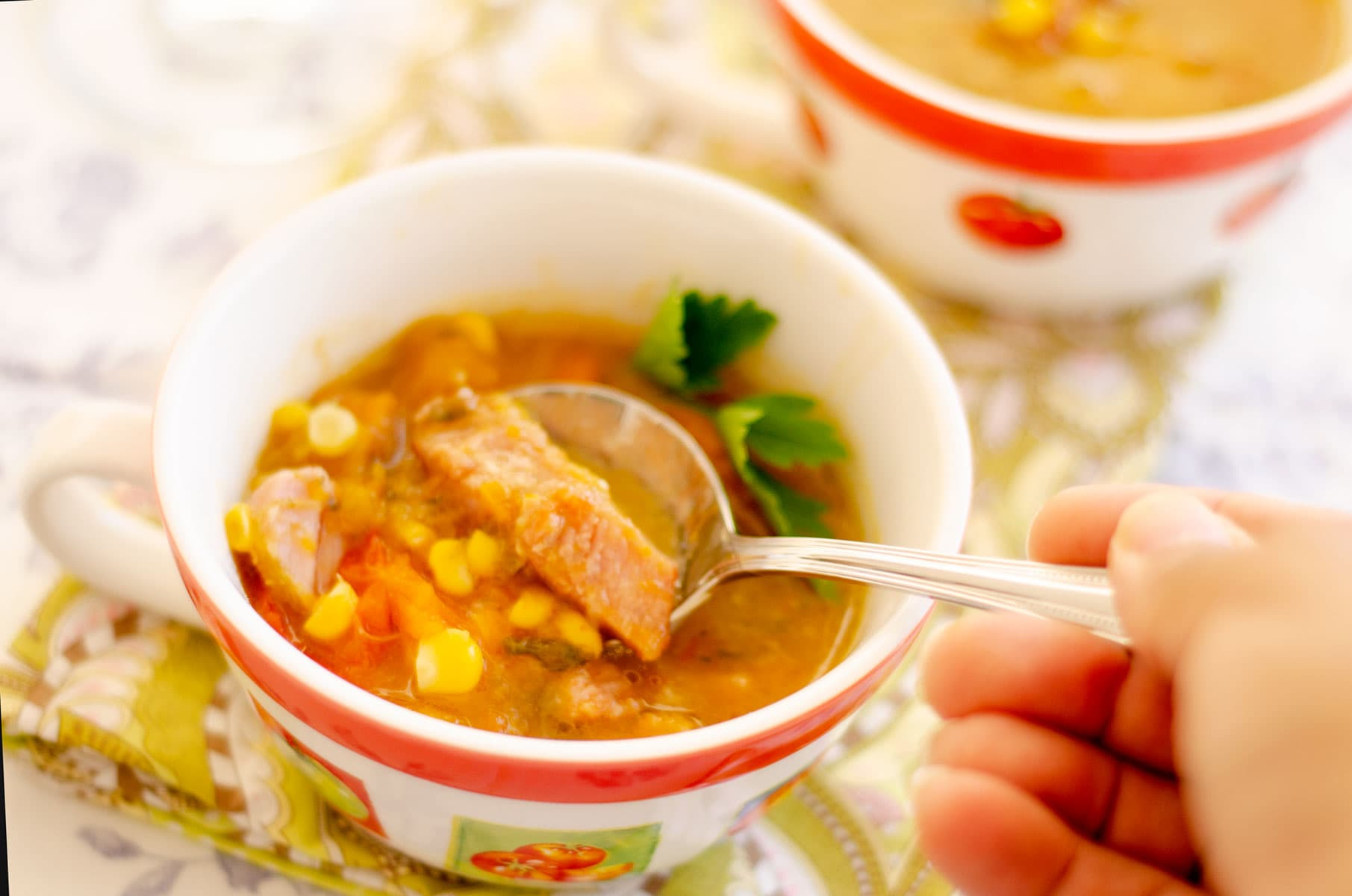 Sirviendo sopa
