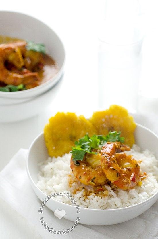 Receta Camarones con Coco y Jengibre: con inspiraciones de la gastronomía de Samaná, incorpora jengibre en un plato salado. Te garantizo que es riquísimo.