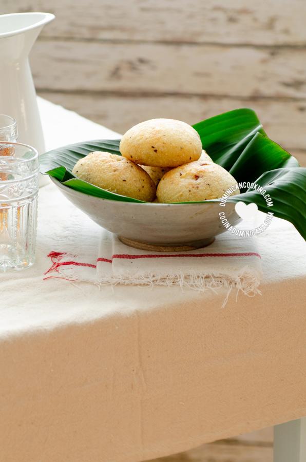 Pan de yuca dominicano