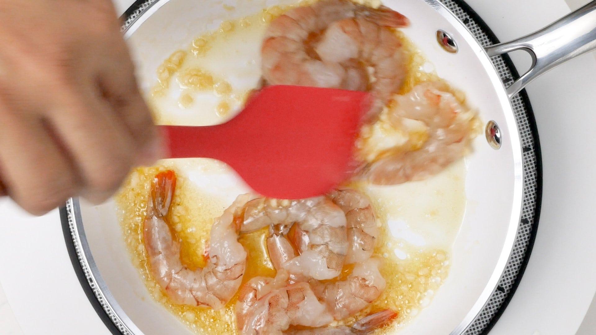 Cocinando los camarones