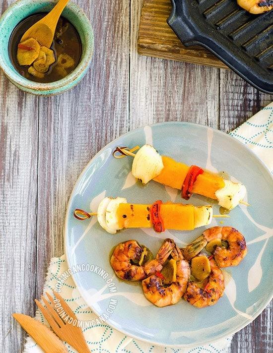 Camarones Jumbo en Marinada de Jengibre y Miel, Receta y Video: Cualquier momento es bueno para preparar estos jugosos camarones a la parrilla.