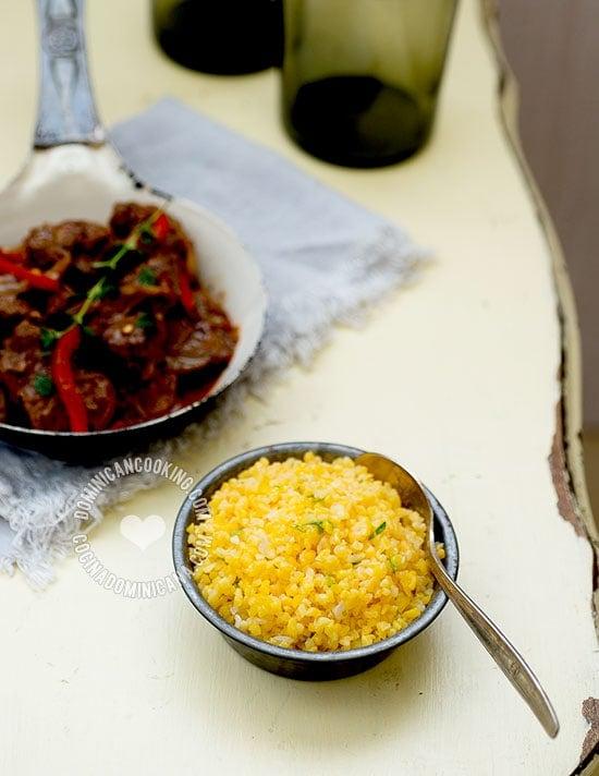 Receta Chenchén (Maíz Craqueado Salado): Originario del suroeste del país, se sirve como sustituto del arroz, y se acompaña muy bien con chivo o res guisada.