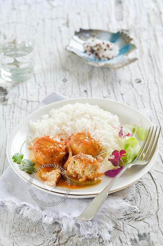 Receta Albóndigas de Pescado: El sabor del verano y la playa en tu mesa con esta sencilla receta llena de sabor.