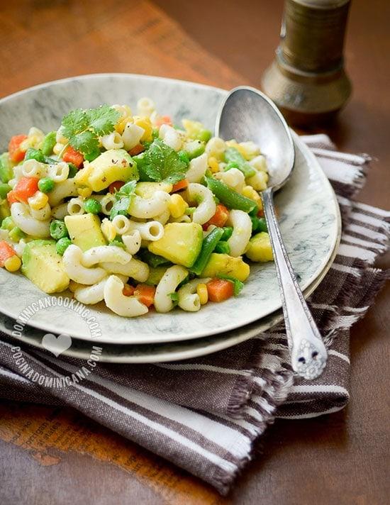 receta-ensalada-aguacate-pasta-1880