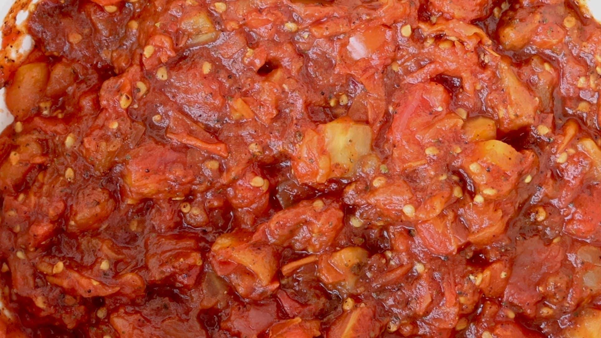 Tomates en la olla después de reducir