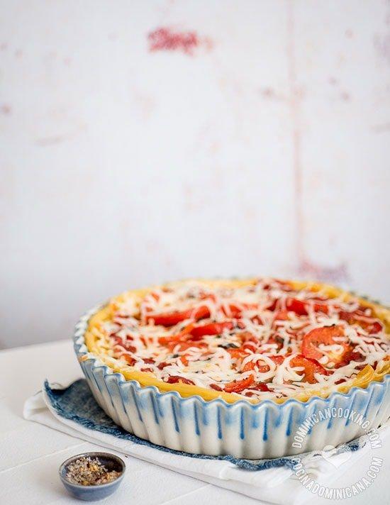 Tarta de Espagueti con 3 Quesos: Parecida a nuestros pastelones, este deliciosa plato es perfecta para la cena y las fiestas donde hay que llevar un plato.
