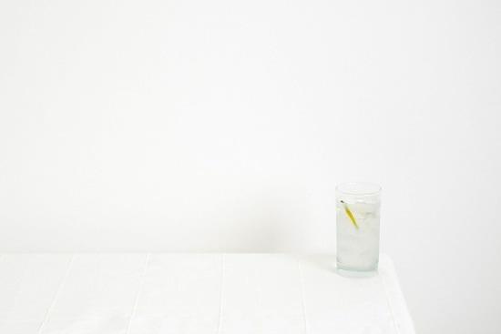 Agua: Fuente de Vida: Un vaso de agua, una de las cosas que damos por sentado y que a veces no apreciamos en su justa medida.