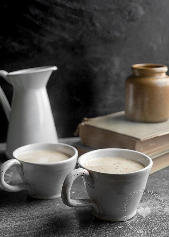 Receta 'Chocolate' de Maíz: Espeso, tibio y reconfortante, esta es la bebida perfecta para acurrucarse en un día frío. También perfecto para el desayuno.