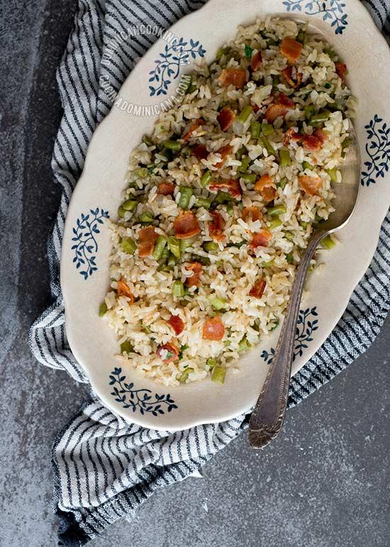 Receta 'Moro' de Arroz Integral, Vainitas y Tocineta: Si no estás convencida(o) del arroz integral, creo que encontré el plato que te convencerá. Tanto sabor que el arroz blanco no te hará falta.