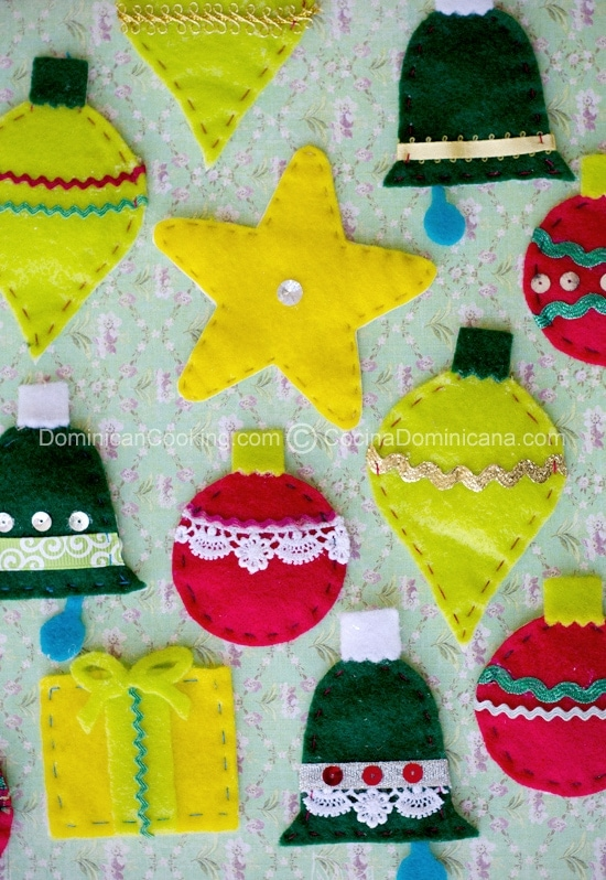 Ornamentos de Navidad de Felpa Hechos a Mano