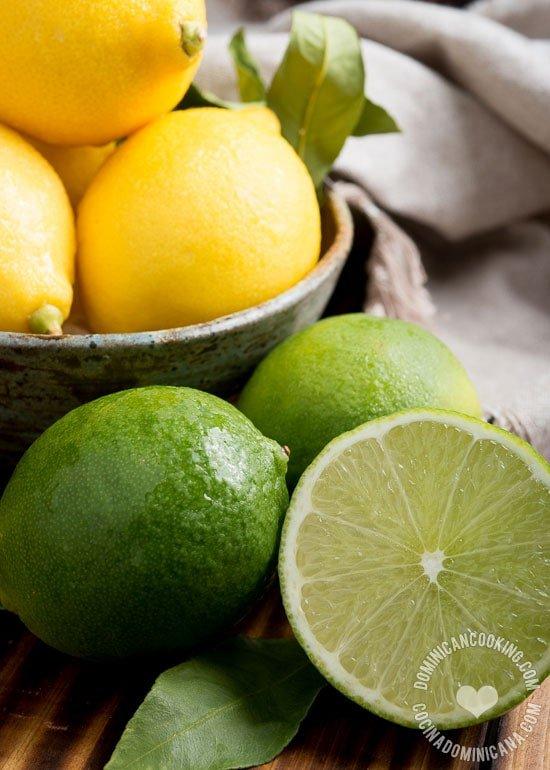 Lima y Limón: Un par de palabras que tienen una relación particularmente complicada, que uno pensaría son equivalentes a las palabras lime y lemon en inglés.