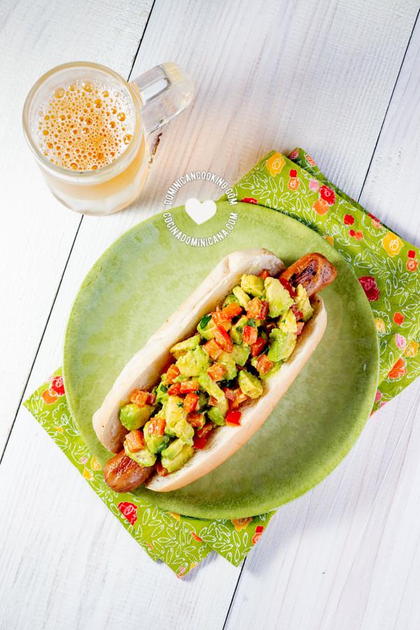 guacamole aguacate hot dog