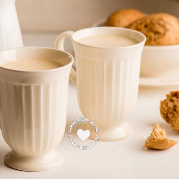 2 Tazas de Ponche de Huevo y Café para el Desayuno