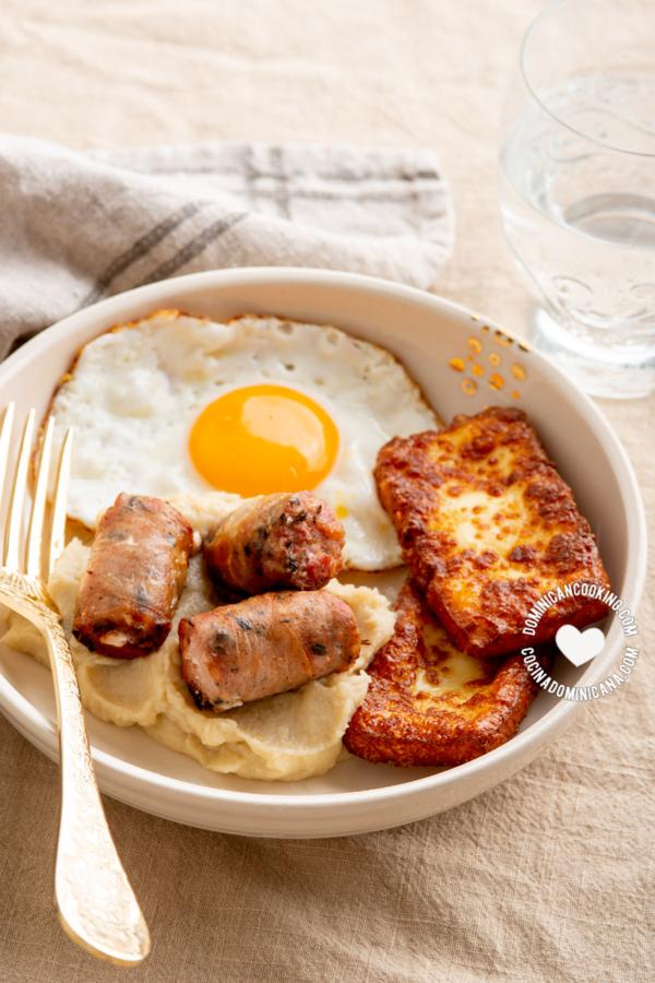 Desayuno dominicano keto