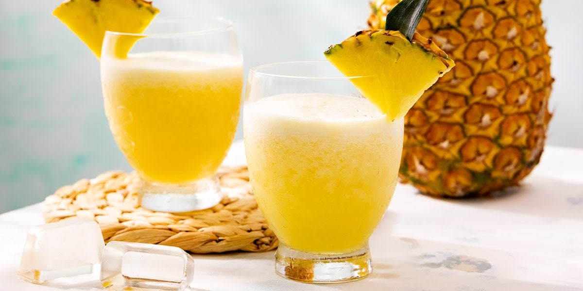 vasos de bebidas frías